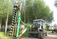 江苏挖掘机改装挖坑机 (1)