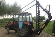 供应 大中小挖坑机 550动力输出轴车型配套电线杆钻坑机 挖树坑机